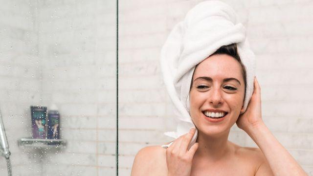ミネラルコスメ使用後の洗顔は純石鹸でお肌に優しく。