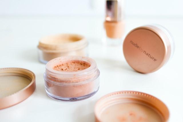 化粧で乾燥が気になる方はミネラルファンデーションがおすすめ