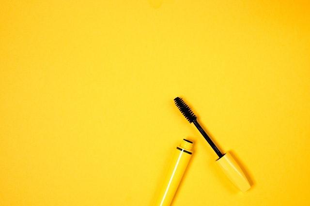 落ちかけのまつ毛パーマ対処法③:マスカラを使う