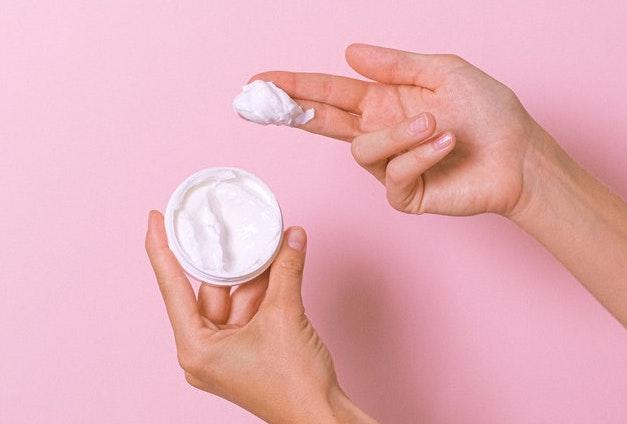 乾燥する肌にワセリンを使う時のポイント