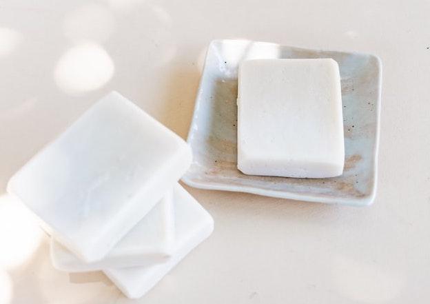 固形と液体石鹸シャンプーの違い
