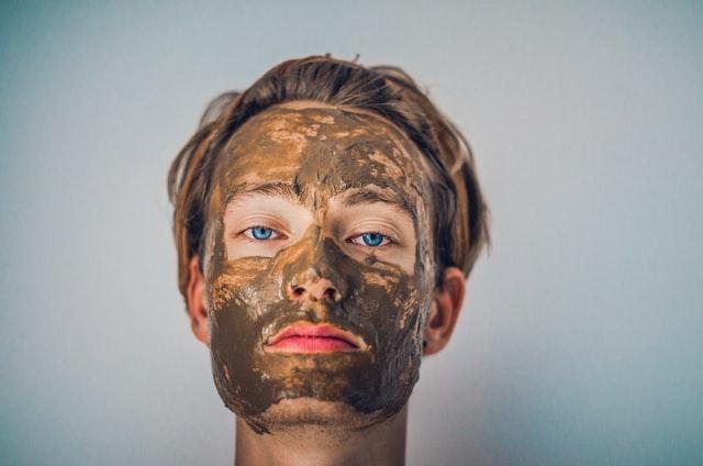 毛穴が開きっぱなしになる原因②:洗顔による皮脂のとりすぎ