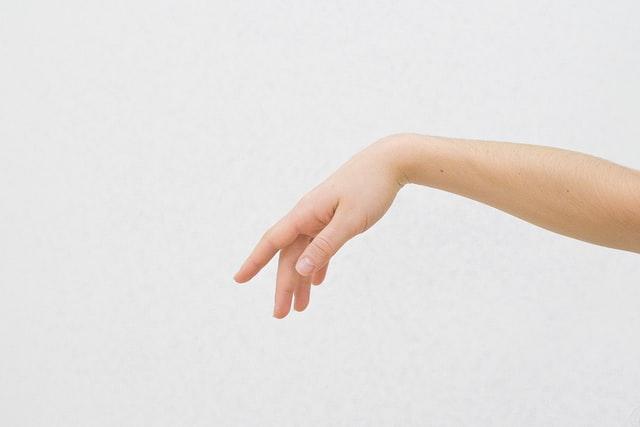 ワセリンの使い方ポイント②:こすらず、押しづけする